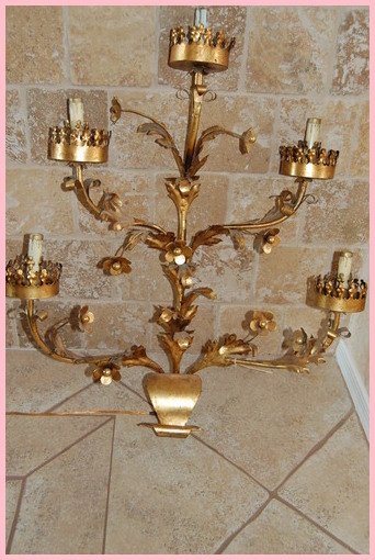 Crown_light_fixture