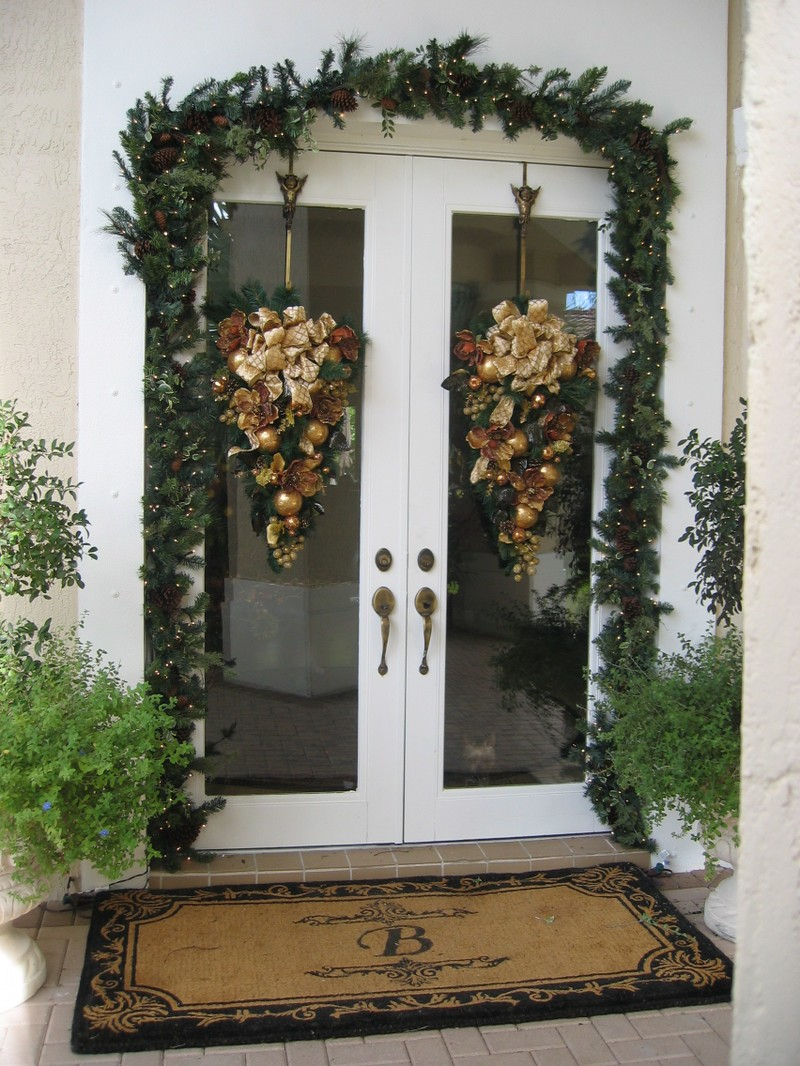 Christmas_door_swag_026_14